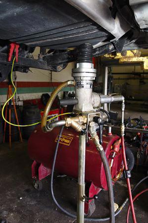 Gas tank drain